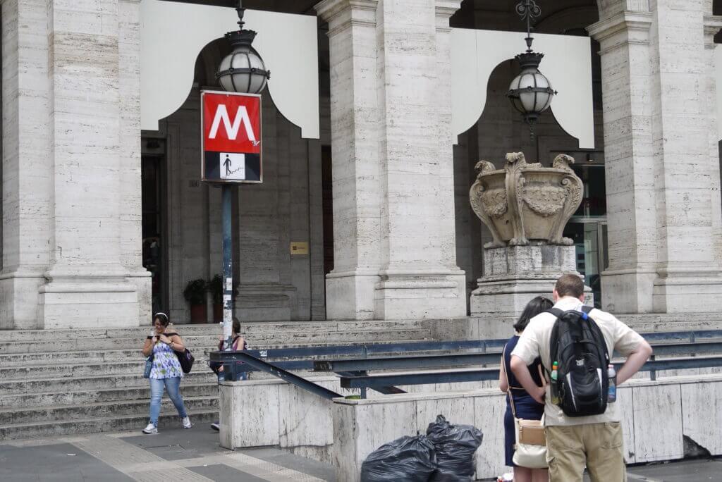 Metrostation Repubblica i Rom
